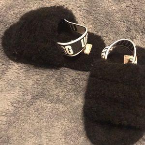 Size 6 ugg sandals girls